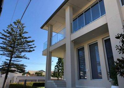 We installed this glass balustrade with top mount hand rail in Adelaide